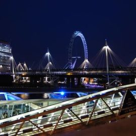 Começa a bienal de design Londres!