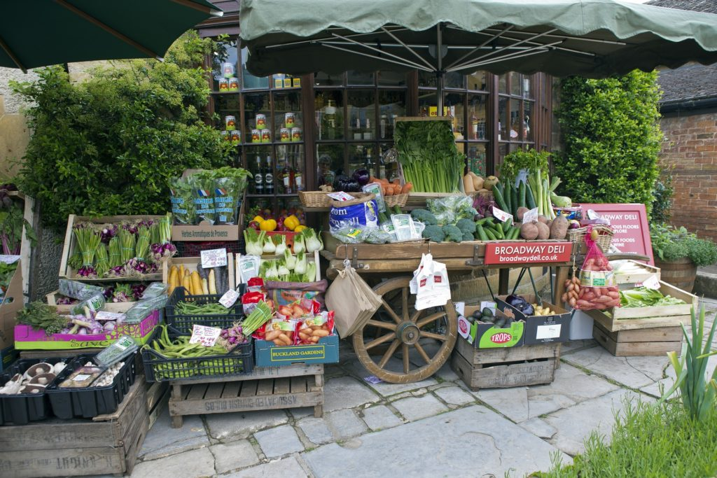 greengrocers-handcart-808965_1920