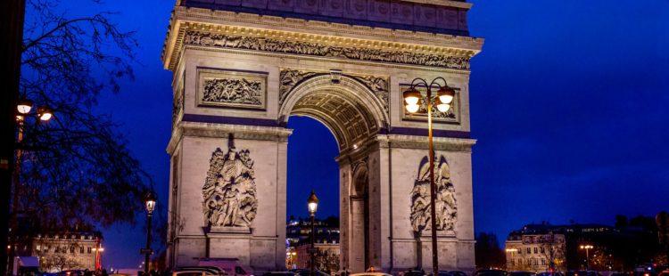 arc-de-triomphe-1283422_1920