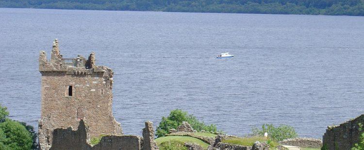 scottish-castle-967972_960_720