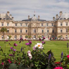 Que tal um passeio pelo Jardim de Luxemburgo, em Paris?
